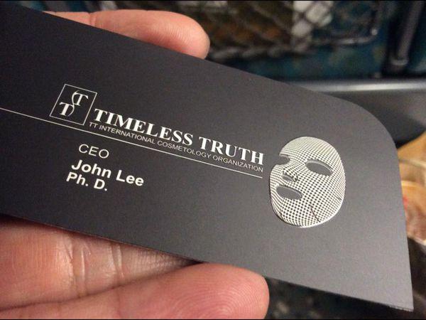 TT 面膜的名片,圖片取自經理人|名片設計
